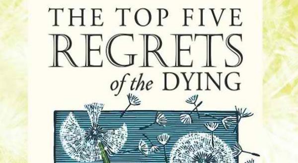 J'ai décidé d'interroger les gens sur leur lit de mort pour mettre en lumière leur conscience de la vie.