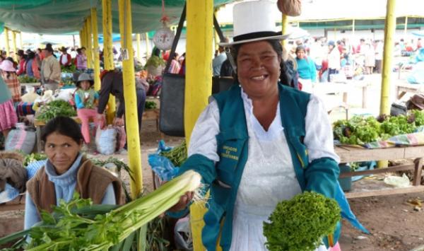 On a décidé de créer un marché d'agriculteurs sans intermédiaire.