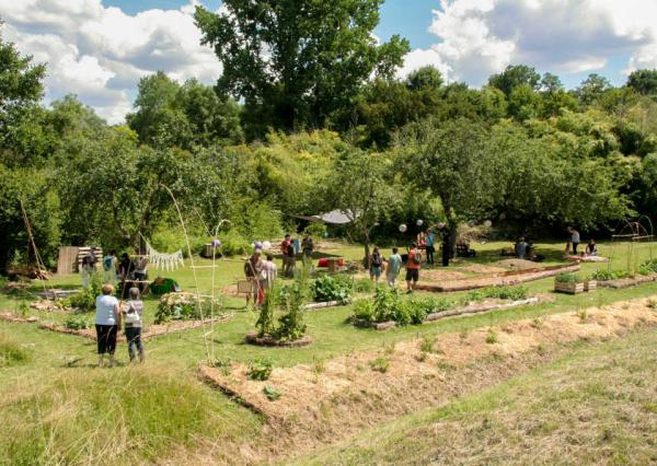 On a décidé de partager au plus grand nombre des savoirs et savoir-faire autour d'un jardin pédagogique naturel